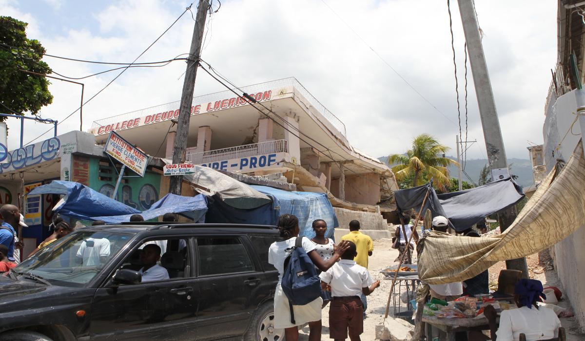 UNESCO Sonderbotschafterin Ute Henriette Ohoven bei den DON BOSCO Schwestern und SALESIANER in Port-au Prince in HAITI