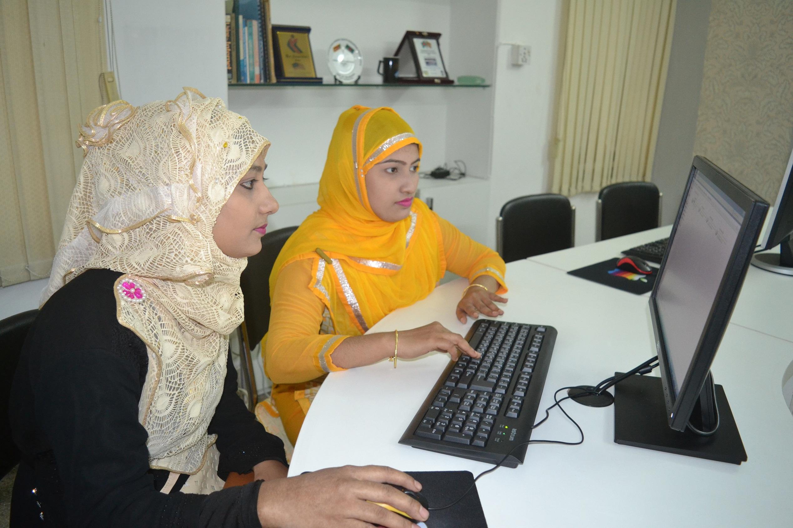 Im neuen Bildungszentrum in Bangladesch